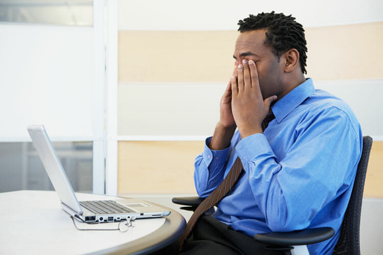 Can computers cause dry eyes?